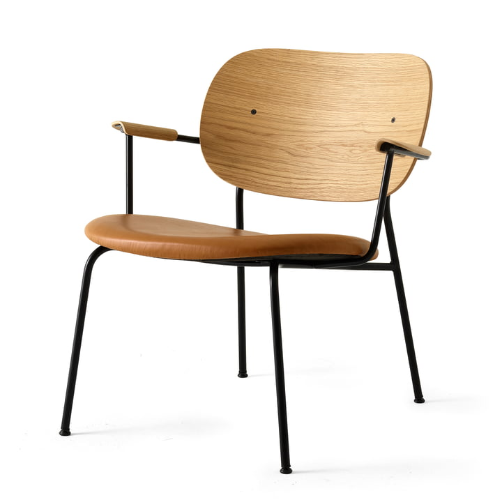 Co Chair lounge stol fra Menu i sort (RAL 9005) / naturlig eg / Dakar 250