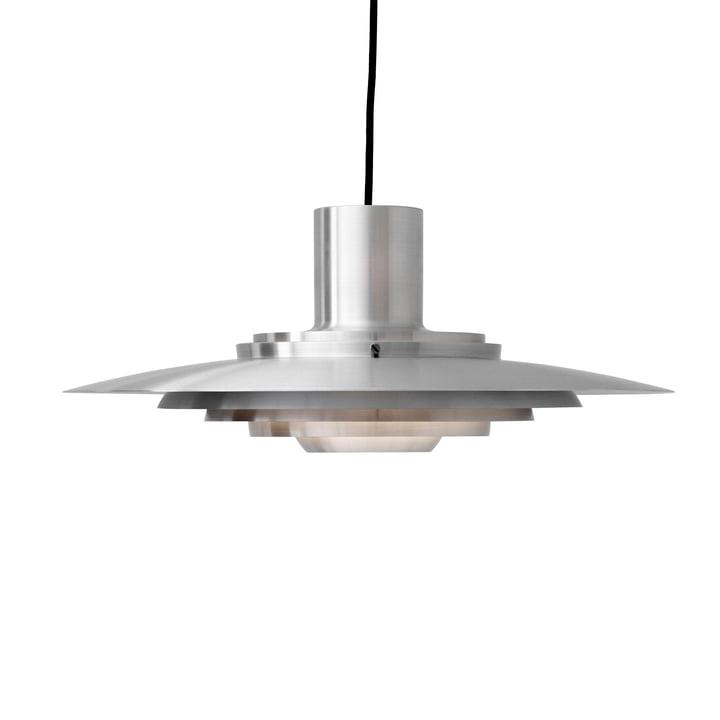 P376 pendel, KF1 / aluminium by & tradition Lampen er lavet af børstet aluminium og har således en