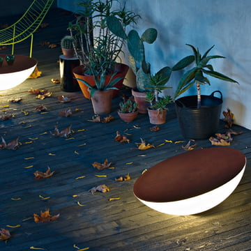Foscarini solcellegulvlampe til udendørs brug i brun