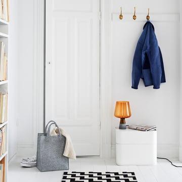 Iittala – Lantern lampe/stemningsbillede – i et værelse