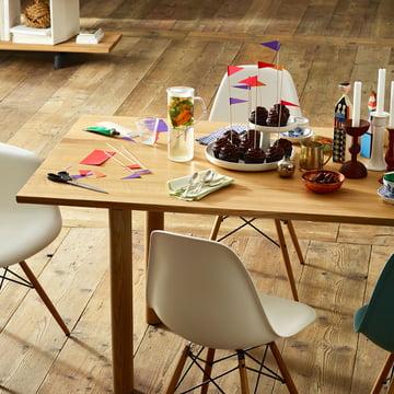 Vitra – træbord, ubehandlet eg, dækket bord