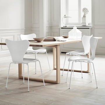 Fritz Hansen – Serie 7 stol, monokrom hvid