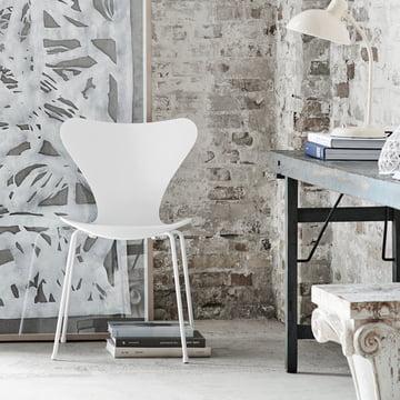 Fritz Hansen – Serie 7 stol, monokrom, hvid