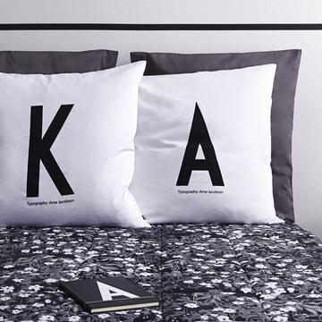 AJ Vintage Flowers bogstavpuder og sengetæppe