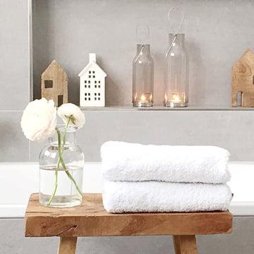 Det robuste Kali spejlskab fra Authentics skaber orden og design i badeværelset