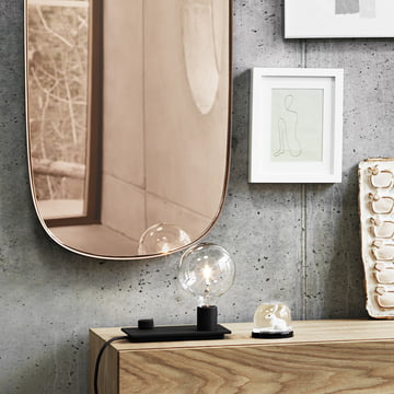 Framed spejlet og bordlampen Control fra Muuto