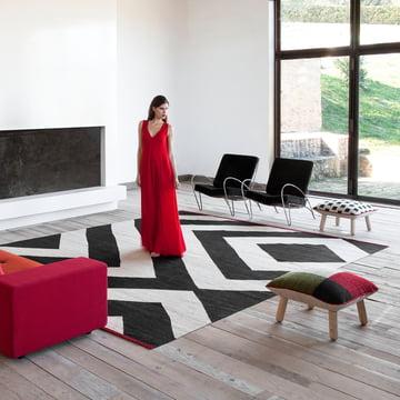 Mélange-tæppe og -puffe fra nanimarquina
