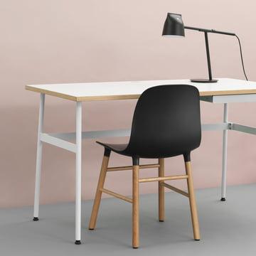 Journal skrivebord, Momento bordlampe og Form stol