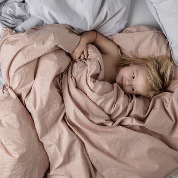 Hush babysengetøj fra ferm LIVING i rosa og lyseblå