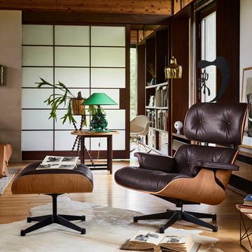 Vitra - Lounge Chair & Ottoman, poleret / sort, amerikansk kirsebær / chokolade (klassisk)