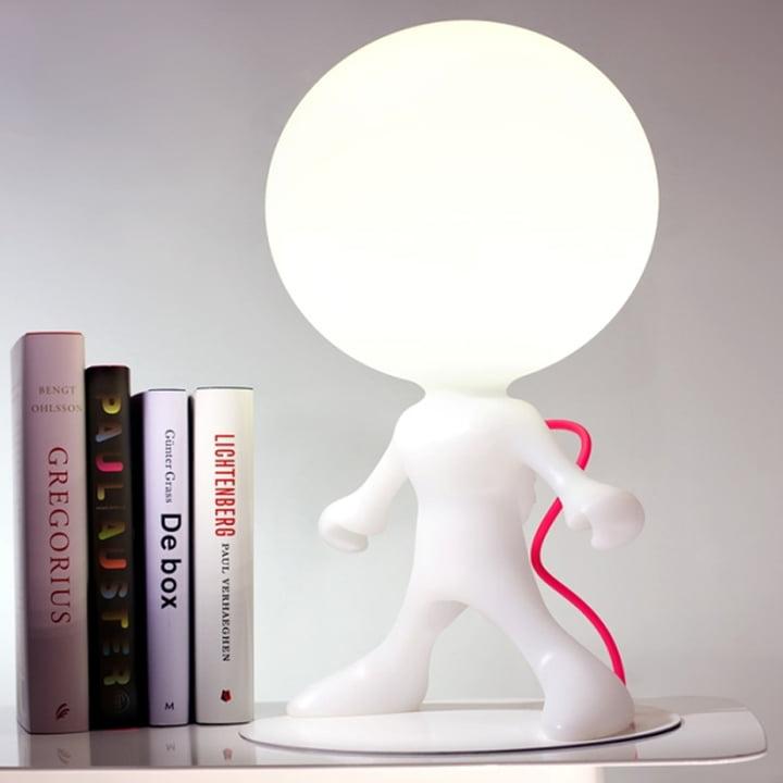 Dark – Spacewalker junior bordlampen er fremstillet i hvid plastik