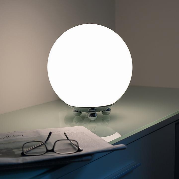 Art Déco AD 32 bordlampe i forkromet metal fra Tecnolumen